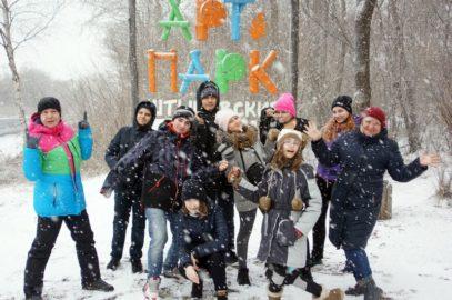 Юные краеведы-журналисты информационно-краеведческого клуба «Следопыт» Владивостокского городского Дворца детского творчества побывали в селе Многоудобное